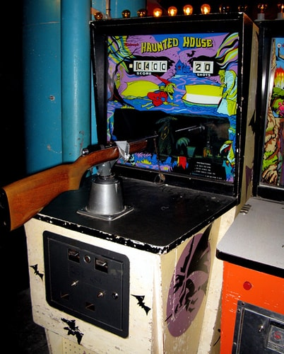 video gaming 1972 haunted house